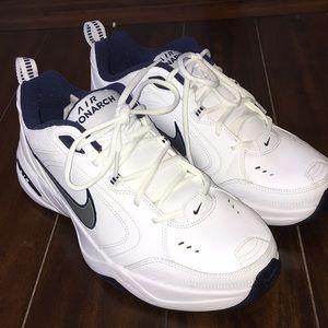Nike Air Monarch men's Size 11.5